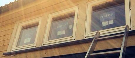 nytt hus med nye vinduer montert